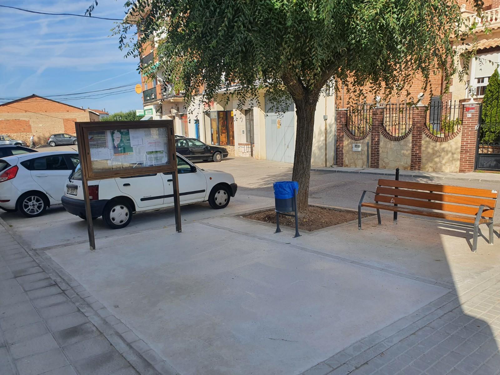 El Ayuntamiento de Horche rehabilita la entrada al Centro de Salud